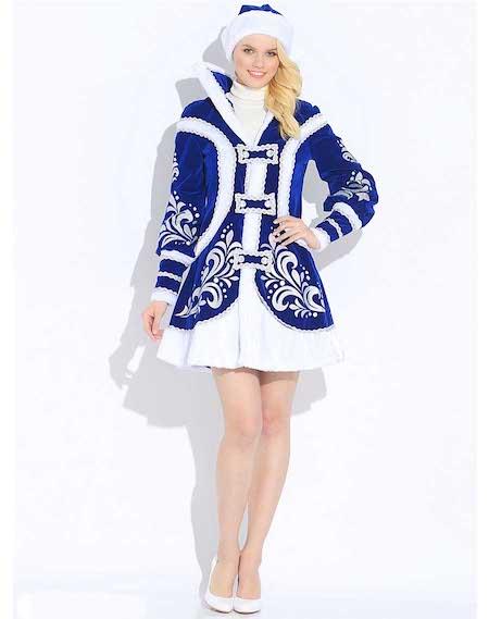 Снегурочка в Купеческом костюме в полный рост.